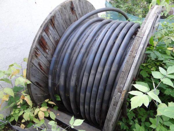 Силовой кабель на барабане