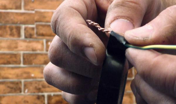 Скрутка - самый простой способ соединения проводов