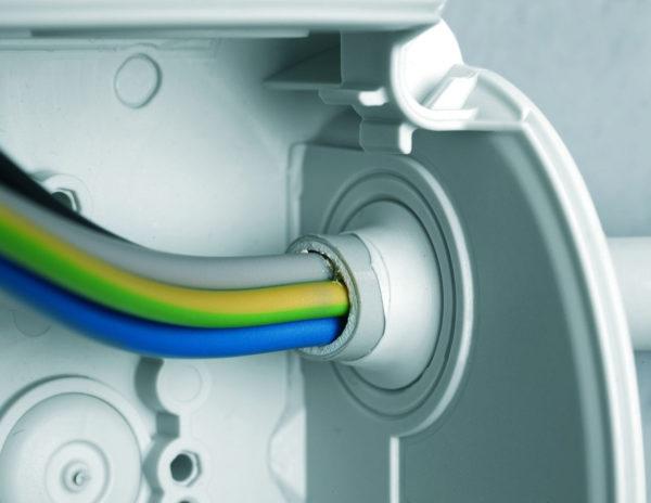 Ввод электролинии в шкаф