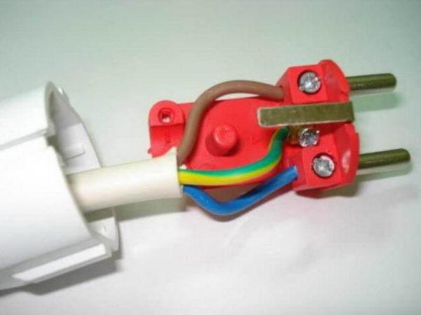 Подсоединение заземляющего провода